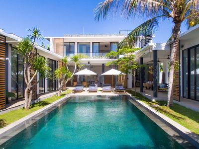 Villa Vida at Canggu Beachside Villas - Stylish villa and pool layout