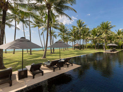 Villa Shanti - Beachfront pool
