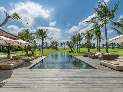 Kaba Kaba Estate - Pool deck