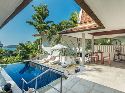 Villa Mauao - Poolside