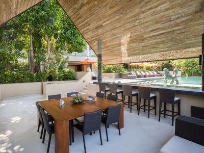Villa Atulya - The pool sala