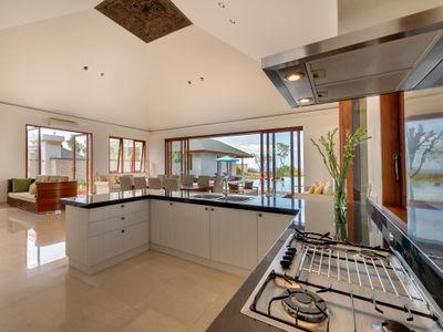 Pandawa Cliff Estate - Villa Marie - Kitchen area