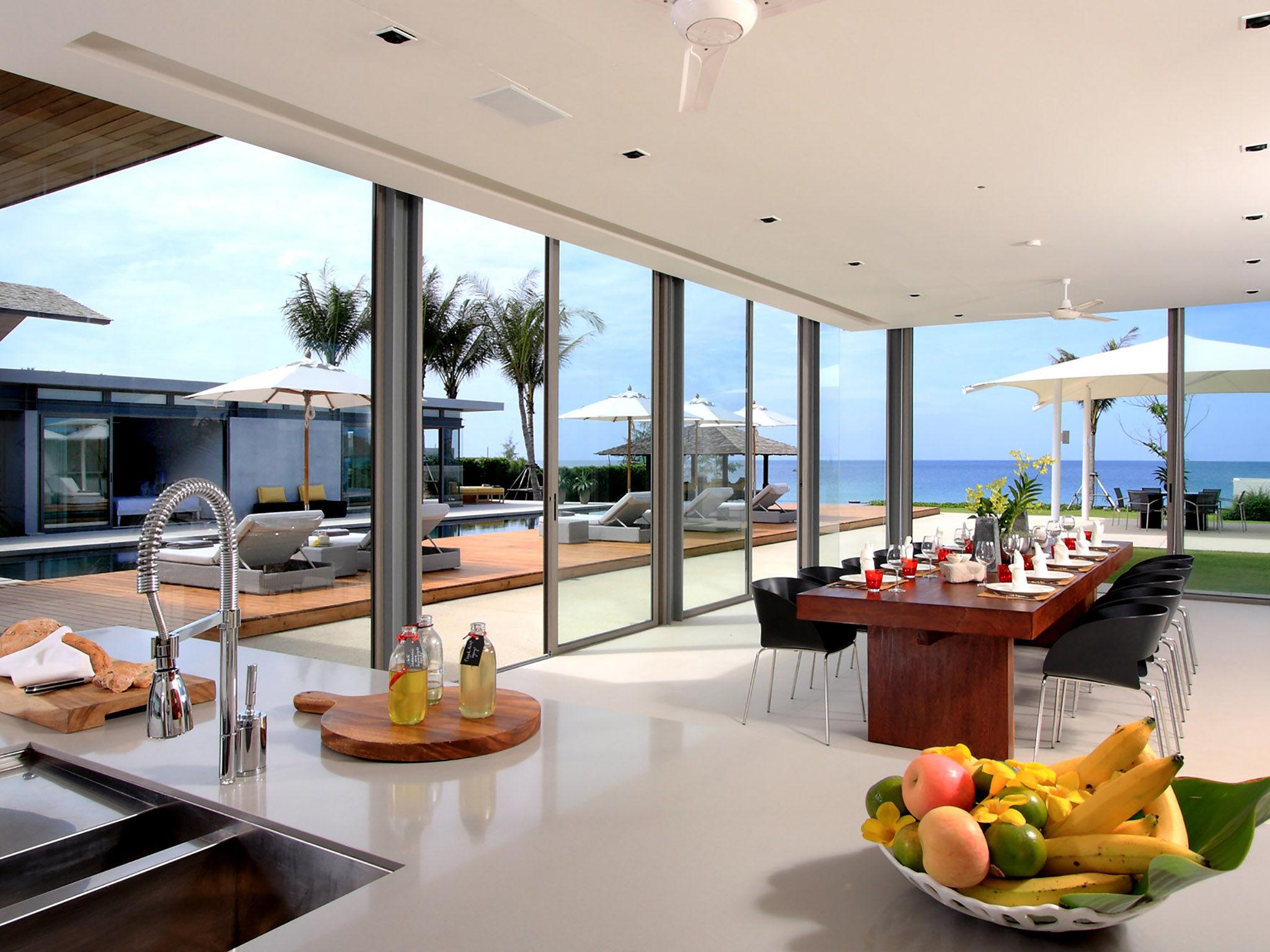 Villa Amarelo - Dining area outlook