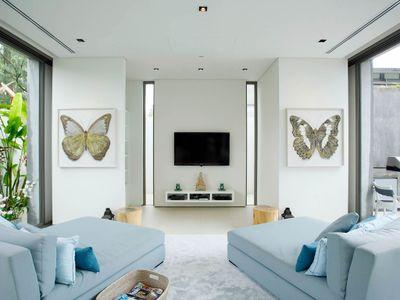 Villa Aqua - Modern entertaining room