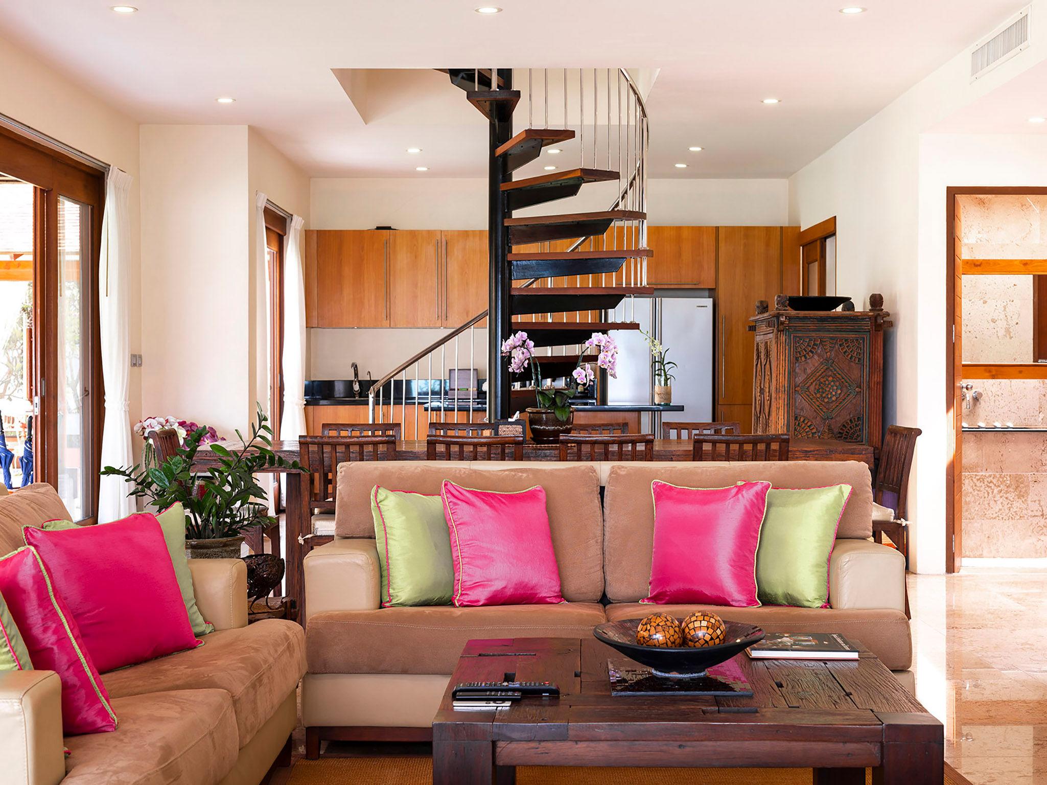 Tawantok Beach Villas - Villa 2 - Living room layout