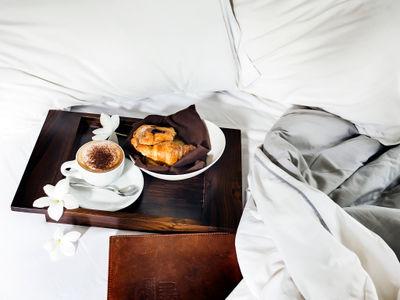 The Layar - Room service