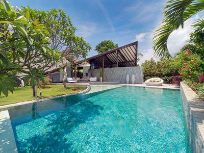 The Layar - 3 bedroom - A huge pool