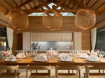 The Pines - Glorious decor