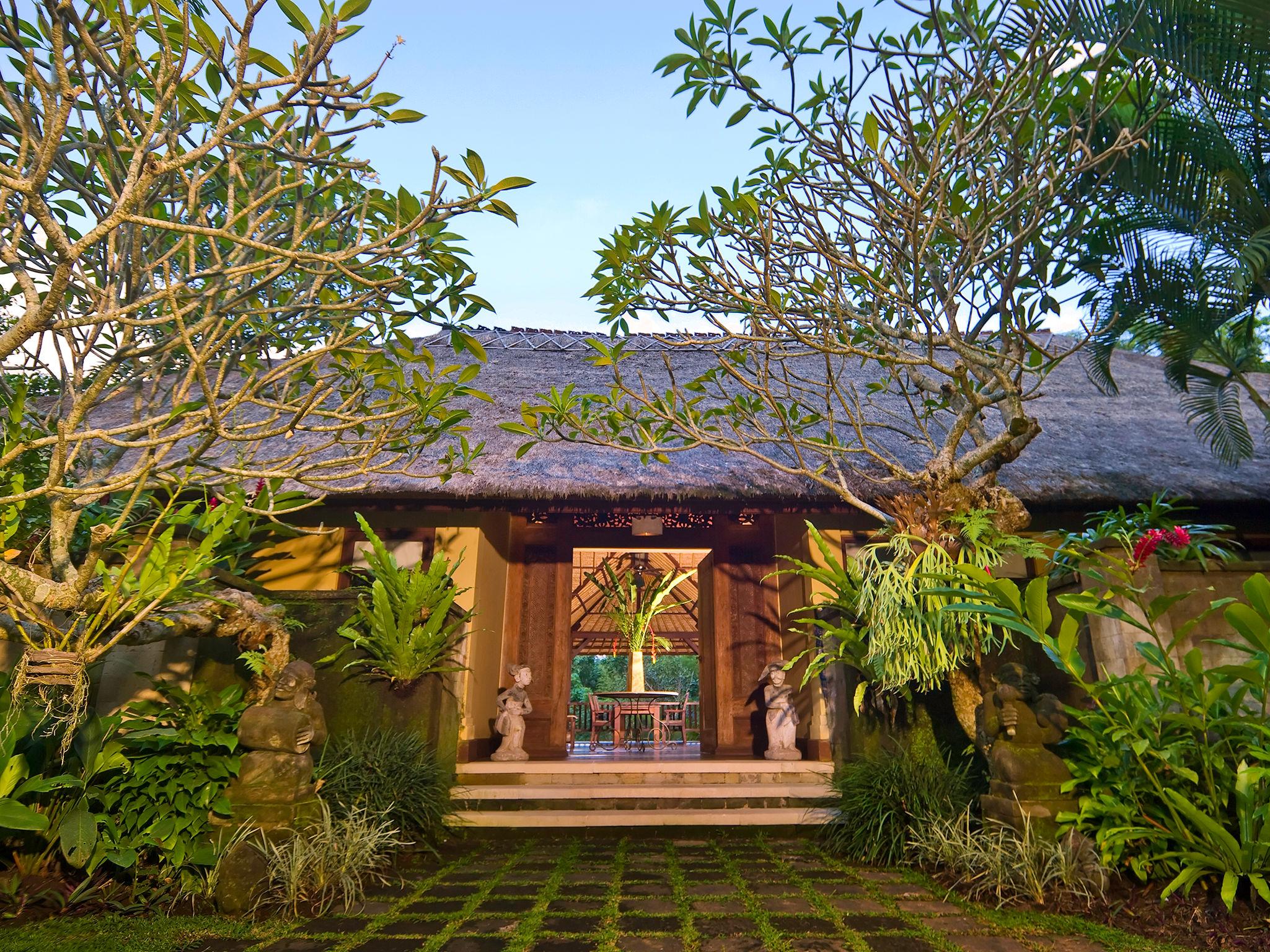 Villa Alamanda - Entrance