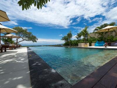 Villa Asada - Pool edge view