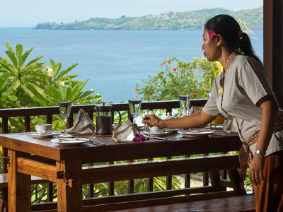 Villa Asada - Balcony dining setting