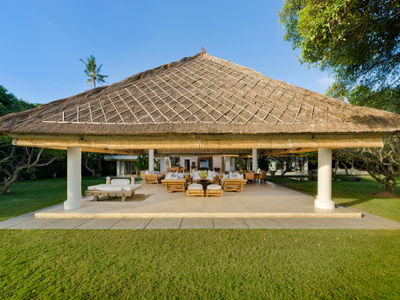 Atas Ombak - Living pavilion