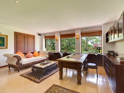 Villa Batujimbar - Study