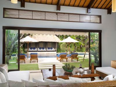 Villa Jemma - Living area view to pool