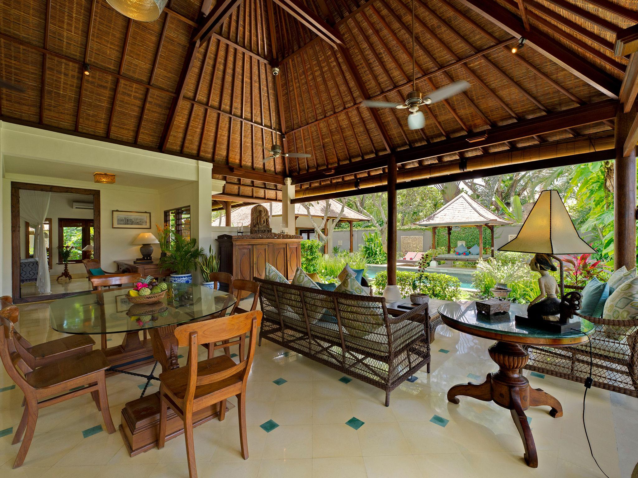 4. Villa Kedidi - Living and dining