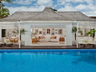 1. Villa Lulito - Living pavilion by day