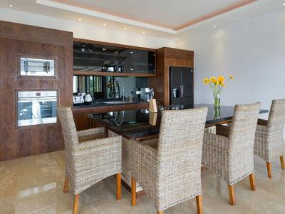 Villa Luwih - Kitchen