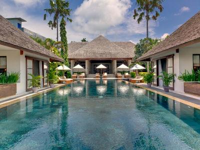 Villa Mandalay - Pool and villa