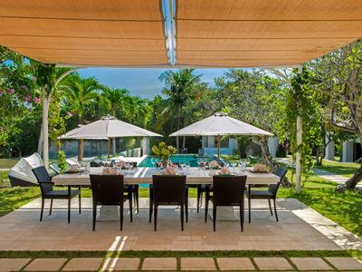 4. Villa Manis - Dining on the main house patio