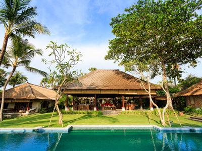Villa Maridadi - Open pavilion Bali living