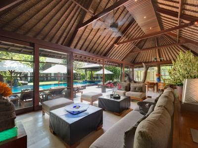Villa Ramadewa - Living and dining area