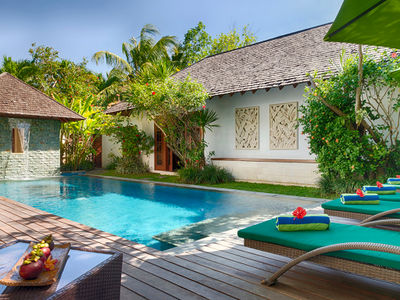 Villa Shinta Dewi - Relax poolside