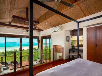 Villa Sila Varee - Master bedroom one design