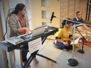 06-12 Devotional Music by Juhi, Mukta and Tushar