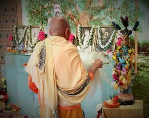 08-29 Krishna Festival Aarati