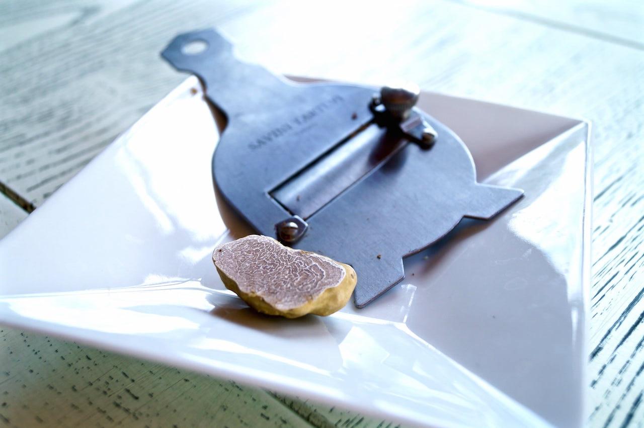 Il tagliatartufo, l'indispensabile strumento per affettare il vostro tartufo a lamelle senza rovinarlo