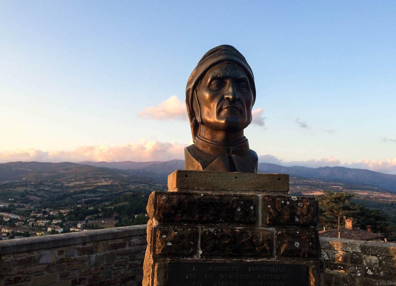 Dante Alighieri trascorse buona parte dell'esilio in Casentino, ospite dei Conti Guidi