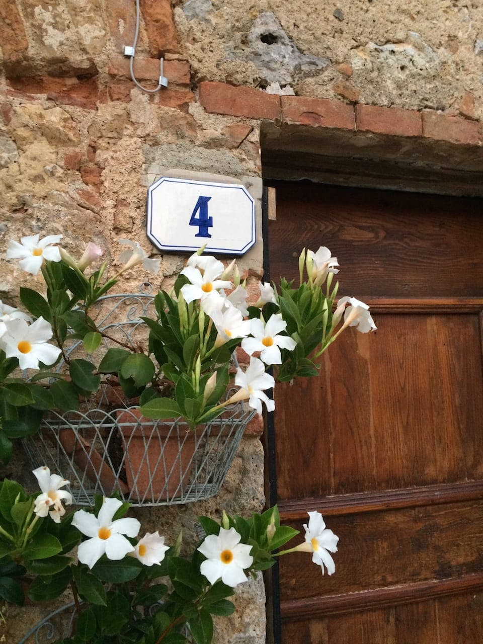 Monteriggioni, Abitazione