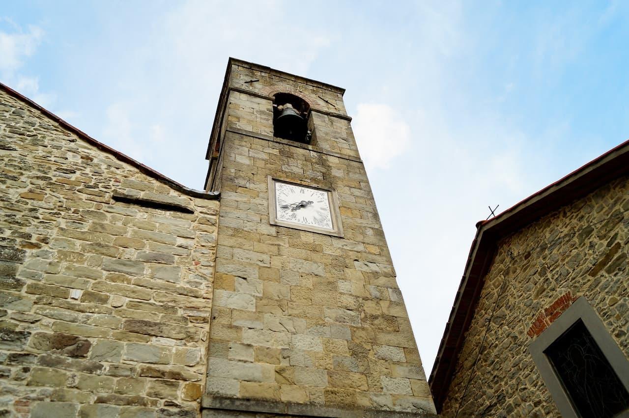 La Chiesa nel paese di Moggiona