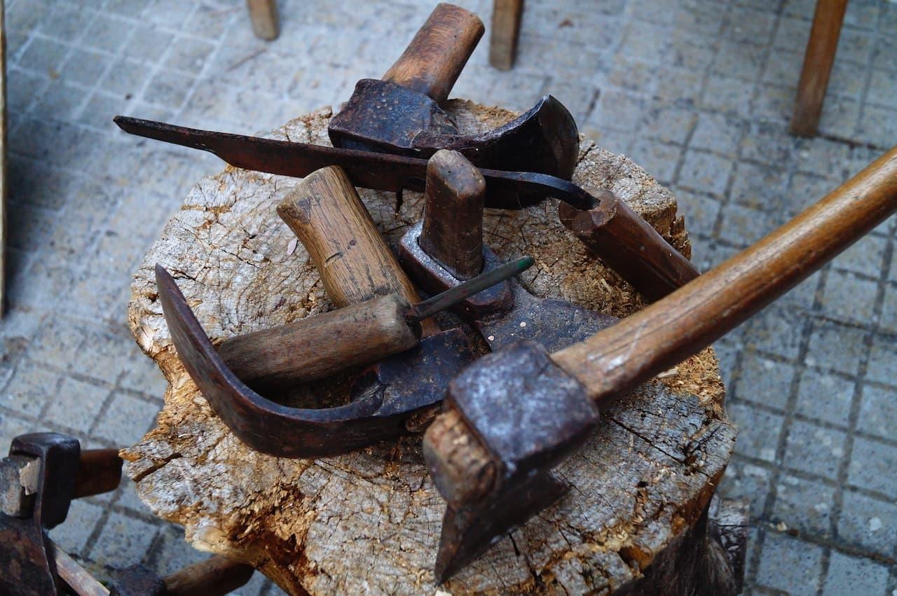 Attrezzi per lavorare il legno