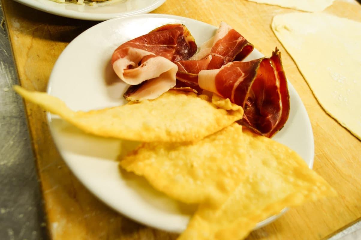 Buon appetito con le donzelline di Montalcino!