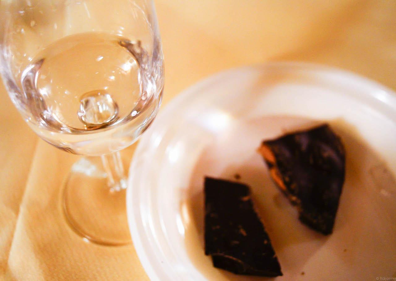 L'abbinamento grappa e cioccolato è sempre perfetto!