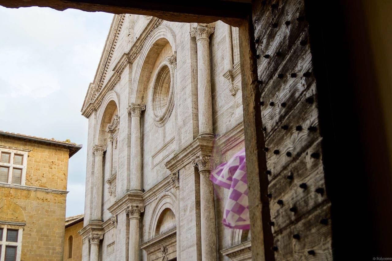 L'oculus della Cattedrale di Pienza