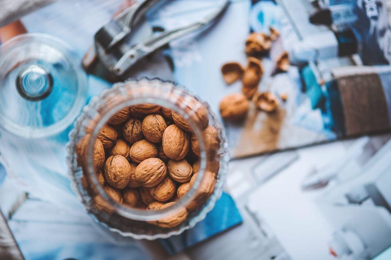 Immancabili nella cucina ligure anche noci e pinoli