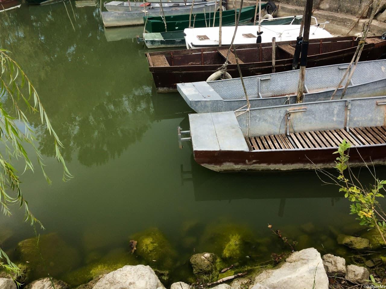 Barche ormeggiate al Lago di Chiusi, a pochi chilometri da Porto