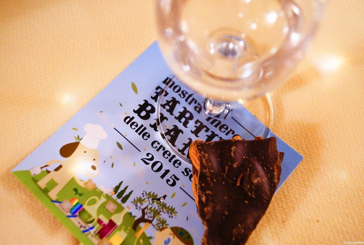 Grappa e cioccolato al tartufo alla degustazione cioccolato-tartufo e grappa, organizzata da ANAG alla Mostra mercato del Tartufo bianco delle Crete 2015