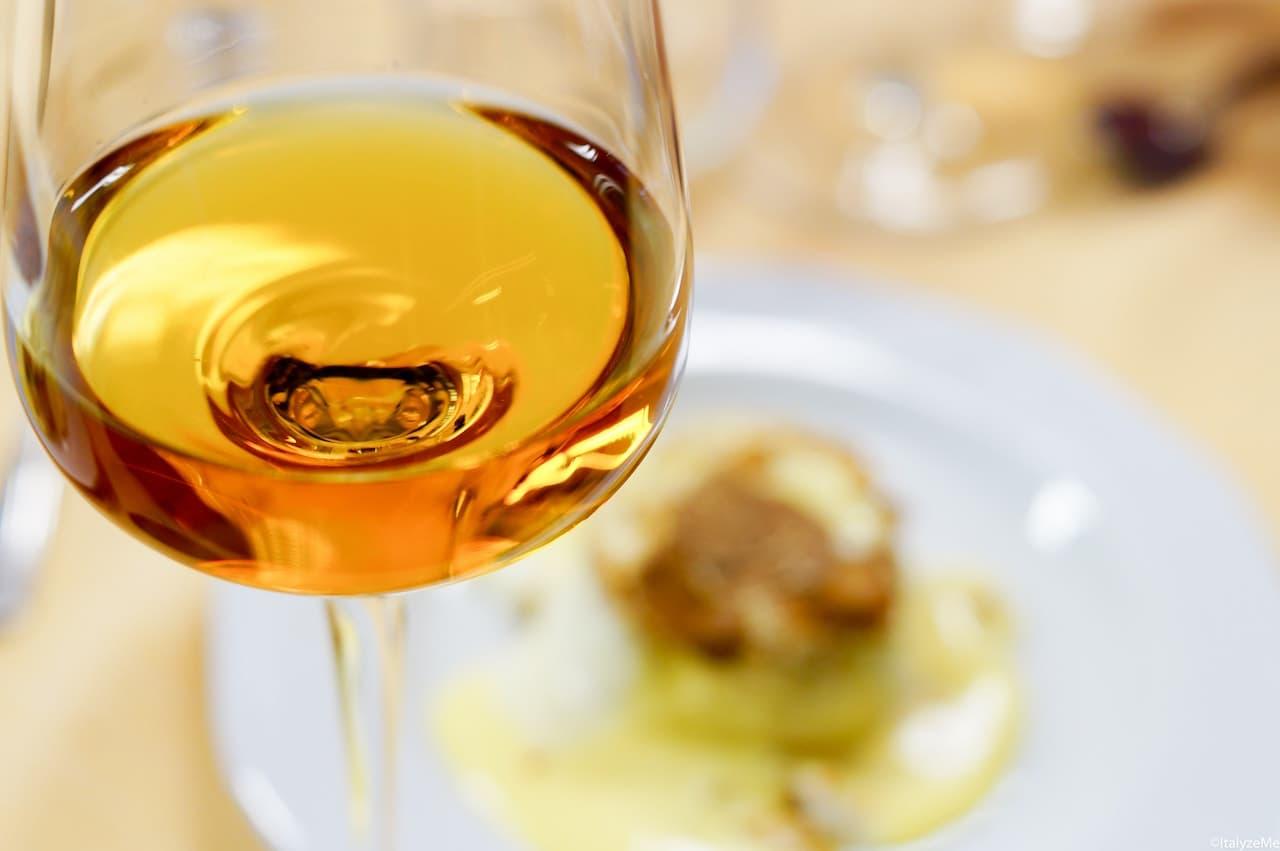 Il Moscadello di Montalcino, primo celebre vino ad essere prodotto nel territorio oggi famoso per il Brunello