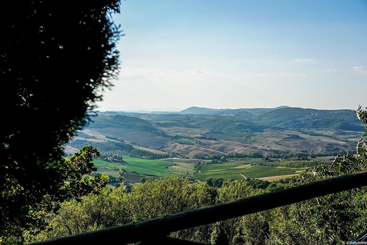 Le colline attorno a Montepulciano