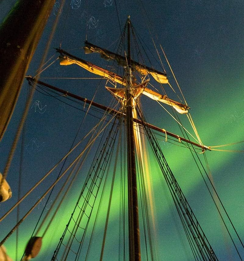 boat tour northern lights