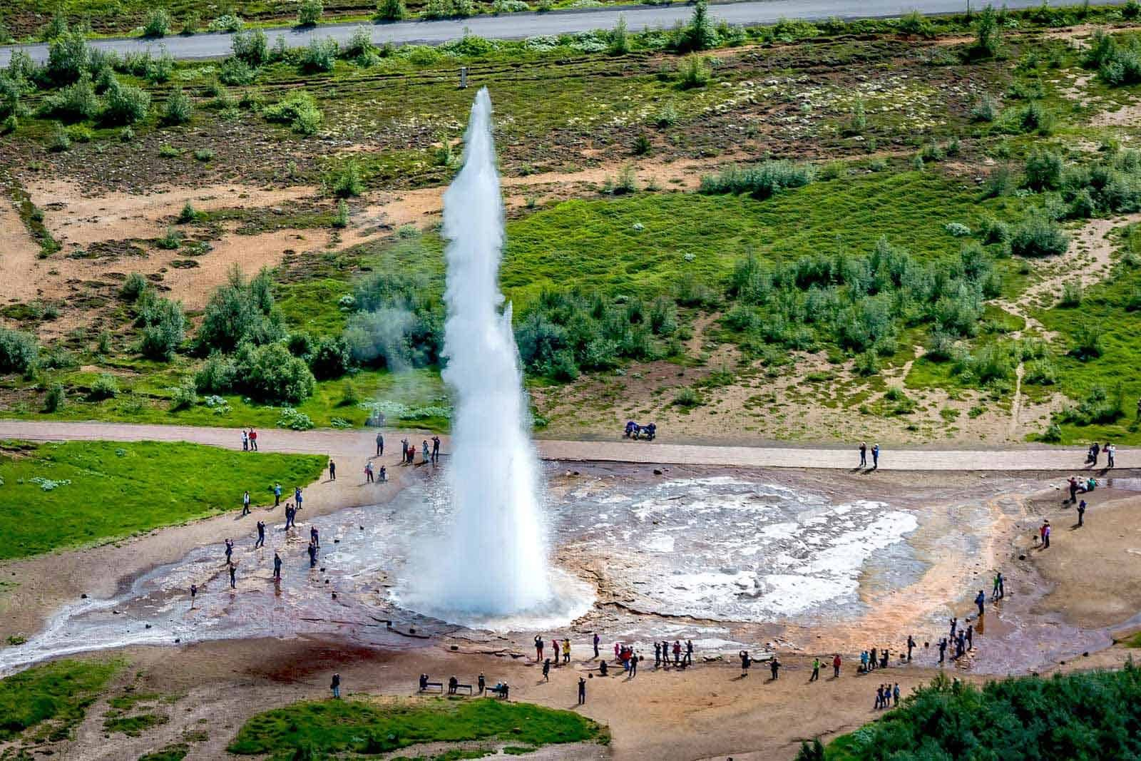 golden circle geyser tour