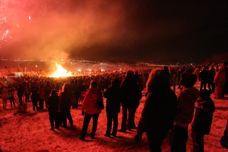 bonfire new years eve iceland