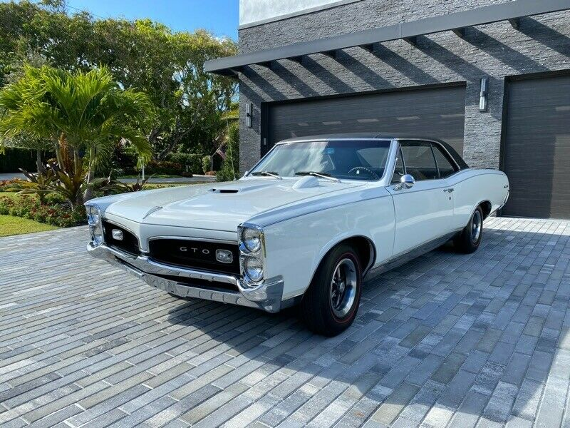 1967 Pontiac GTO Coupe 37,907 Barn Find No Rust!