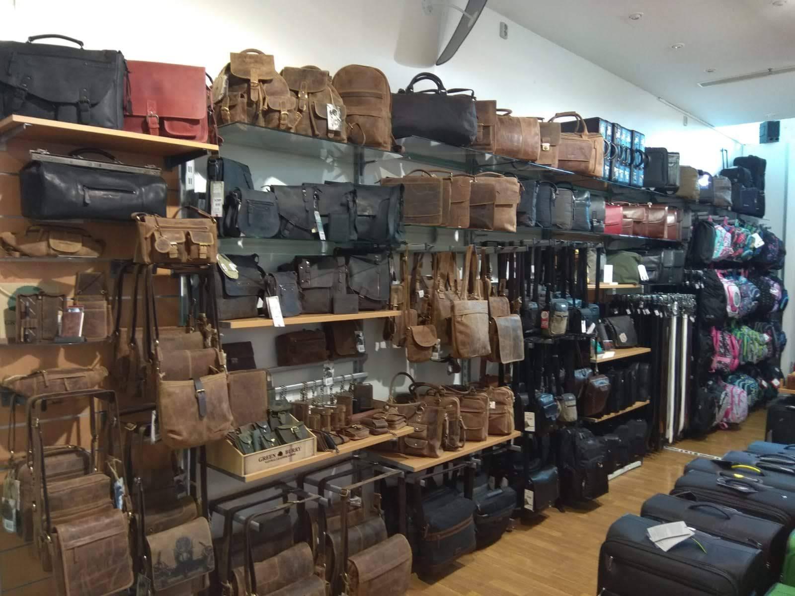 Prodejna PROSCH BAGS, NC Borská pole, Plzeň