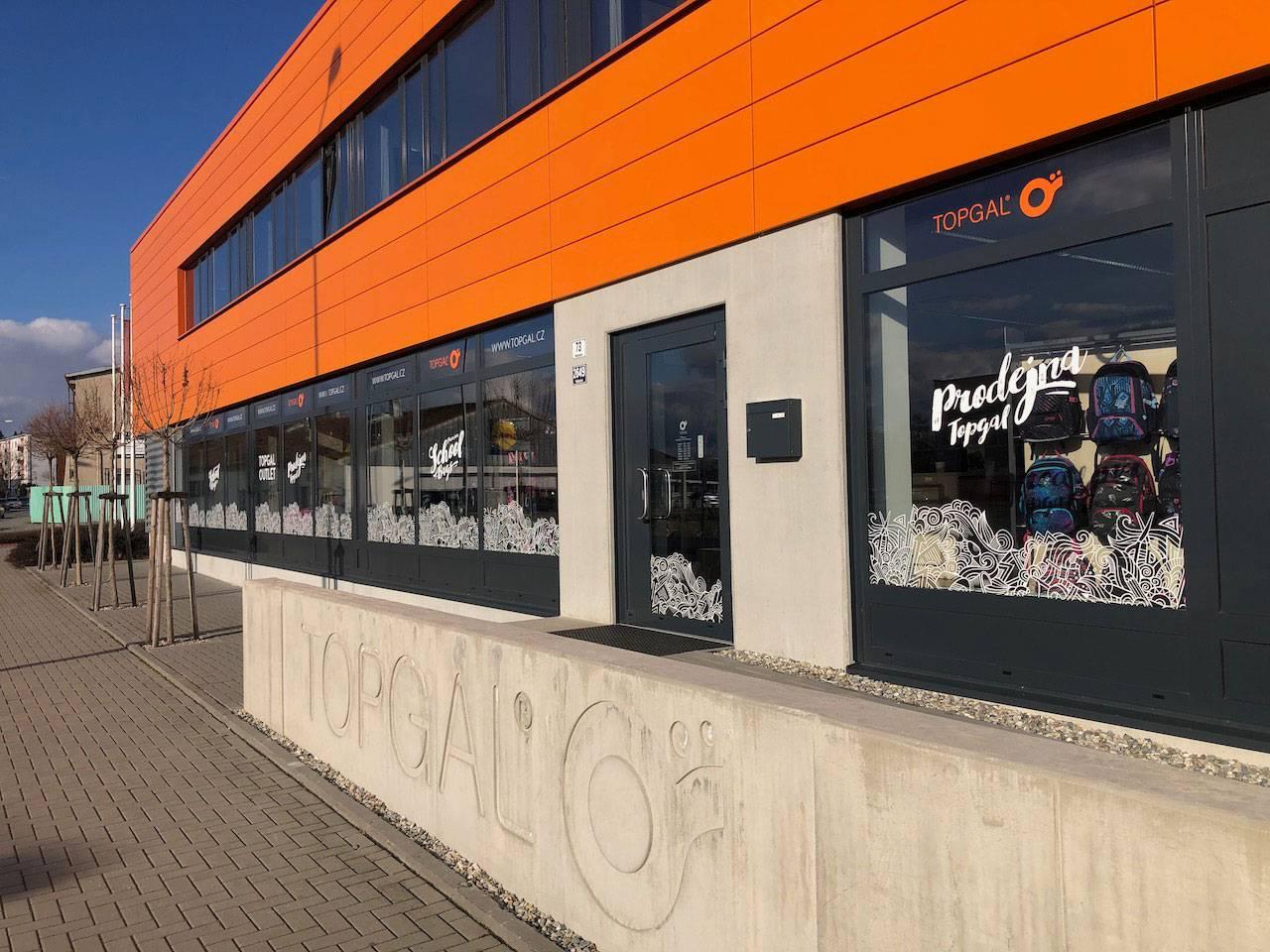 Sídlo a podniková prodejna firmy Topgal ve Šternberku