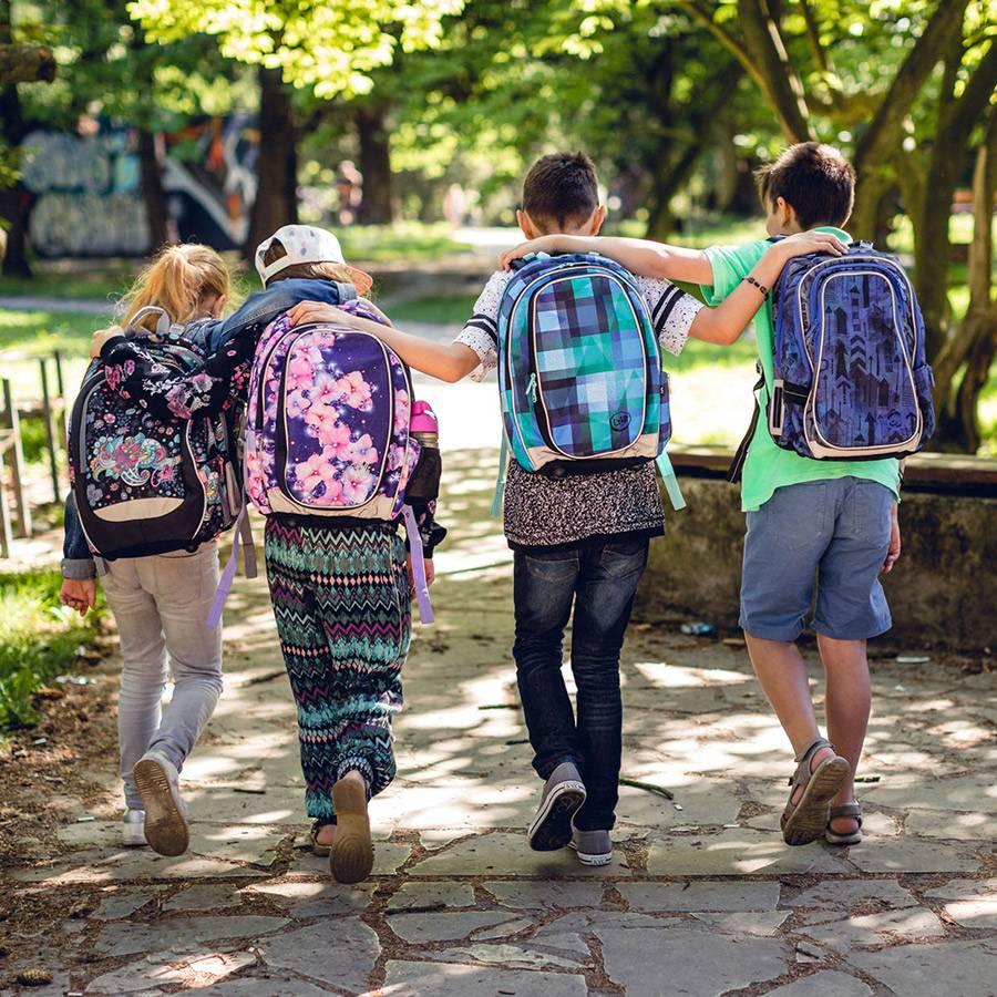 Jak správně nosit školní batoh