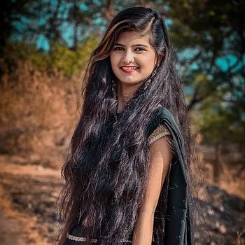 Celebrity Saniya Sheikh - Tring India